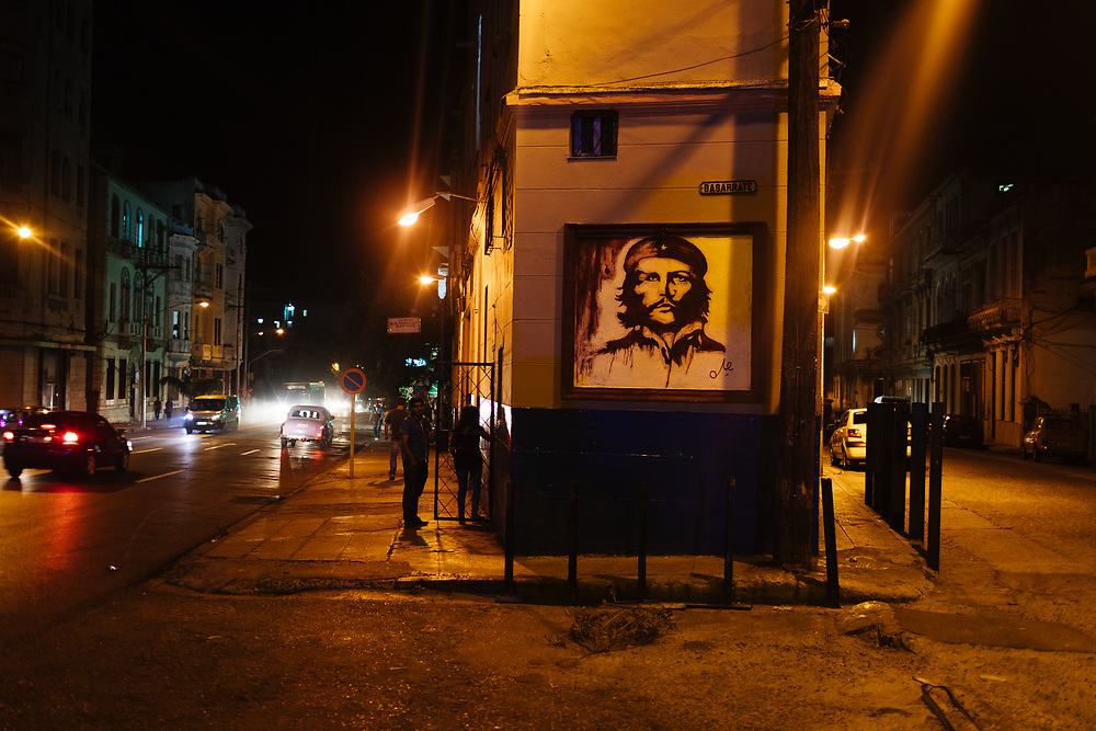 Painting of Che Guevara on wall in downtown Havana in Havana, Cuba