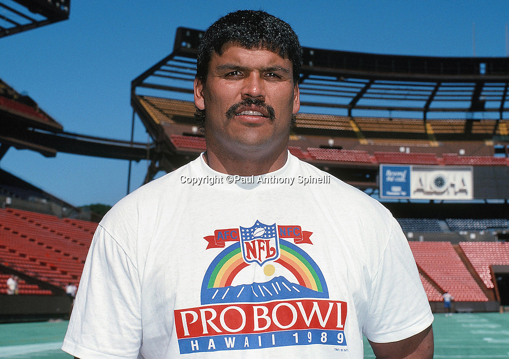 The American Football Conference Cincinnati Bengals guard Anthony Munoz poses for a photo during practice the week before the 1989 NFL Pro Bowl football game against the National Football Conference on Jan. 24, 1989 in Honolulu. The NFC won the game 34-3. (©Paul Anthony Spinelli)