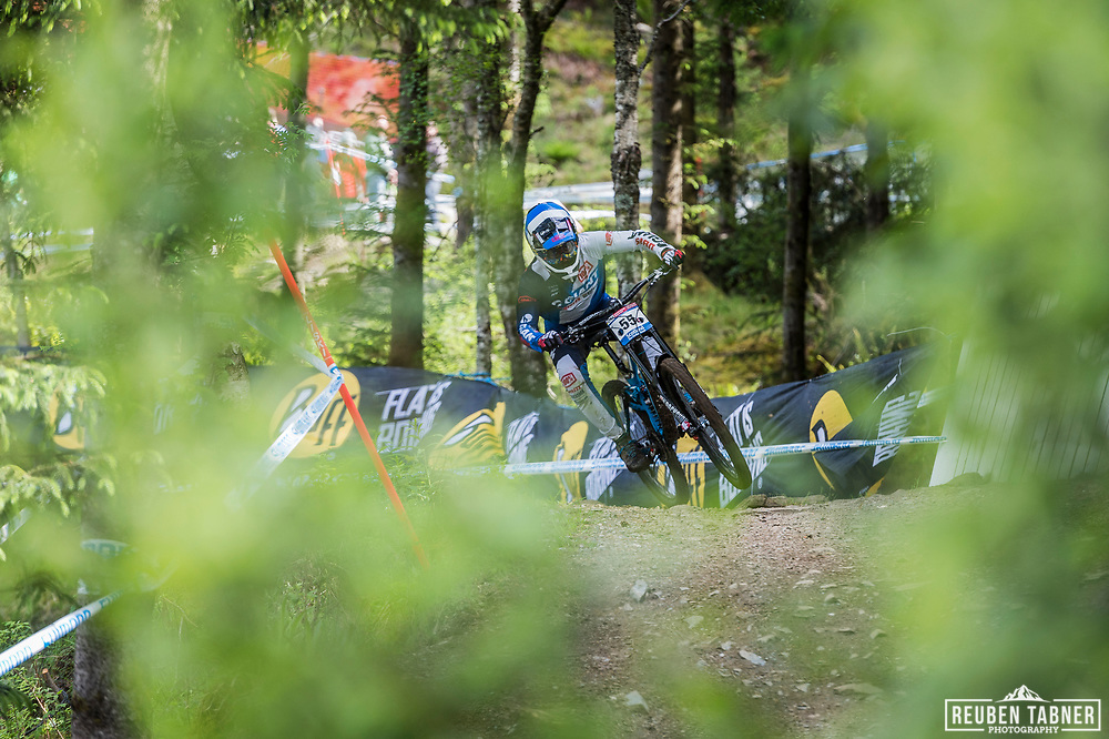 Eliot Jackson steps on the gas during his race run at the UCI Mountain Bike World Cup in Fort William.