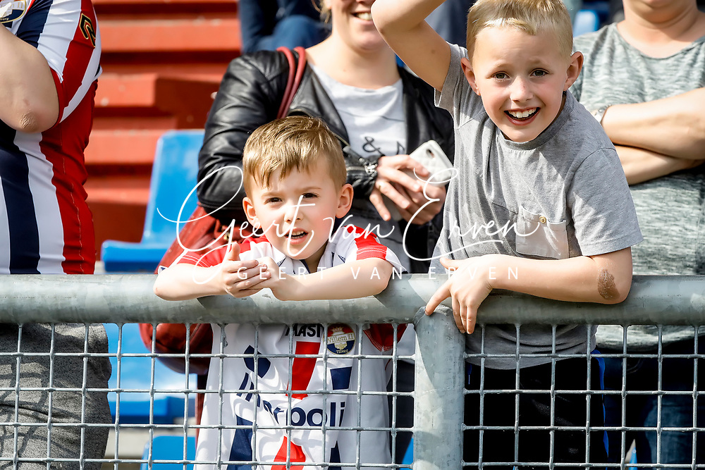 Supporters of Willem II at the last training before the derby against NAC Breda with fireworks
