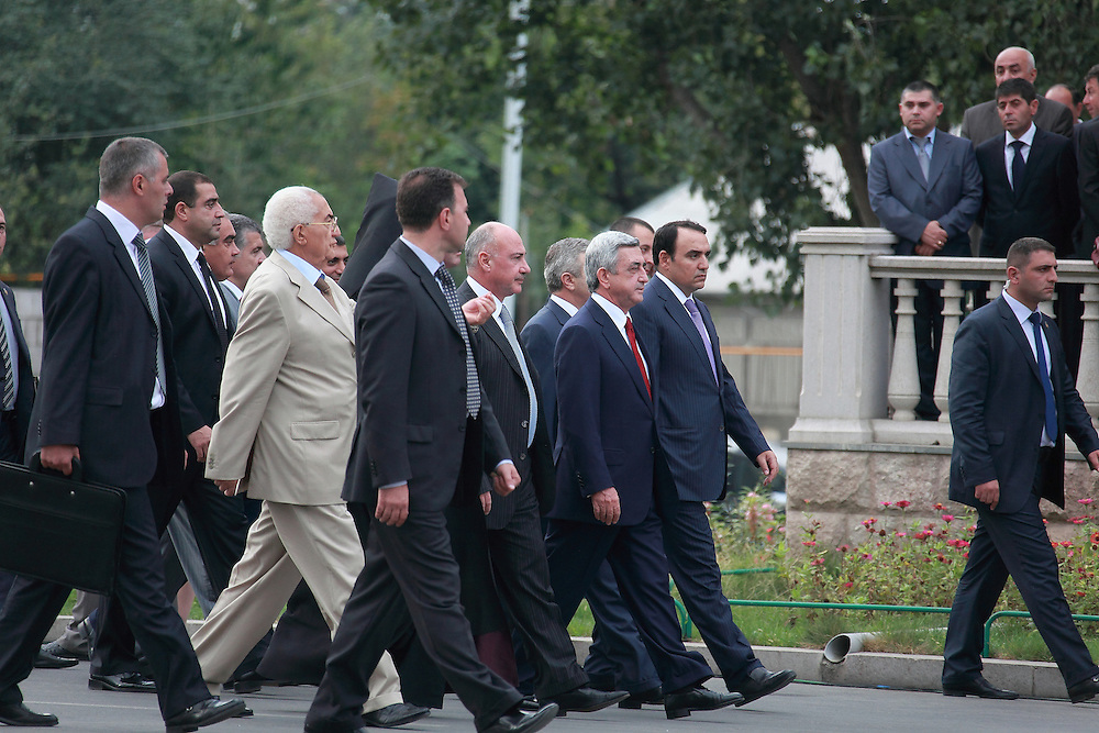 The inauguration of President Bako Sahakian took place in Stepanakert, Nagorno-Karabakh for his second term of office. This was followed by a military parade.