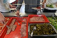 13/11/15 - COURNON - PUY DE DOME - FRANCE - Snack en libre service au college Marc BLOCH pour limiter les problemes de gaspillage alimentaires - Photo Jerome CHABANNE