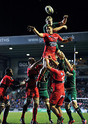Juan Smith of Toulon rises high to win lineout ball - Photo mandatory by-line: Patrick Khachfe/JMP - Mobile: 07966 386802 07/12/2014 - SPORT - RUGBY UNION - Leicester - Welford Road - Leicester Tigers v Toulon - European Rugby Champions Cup
