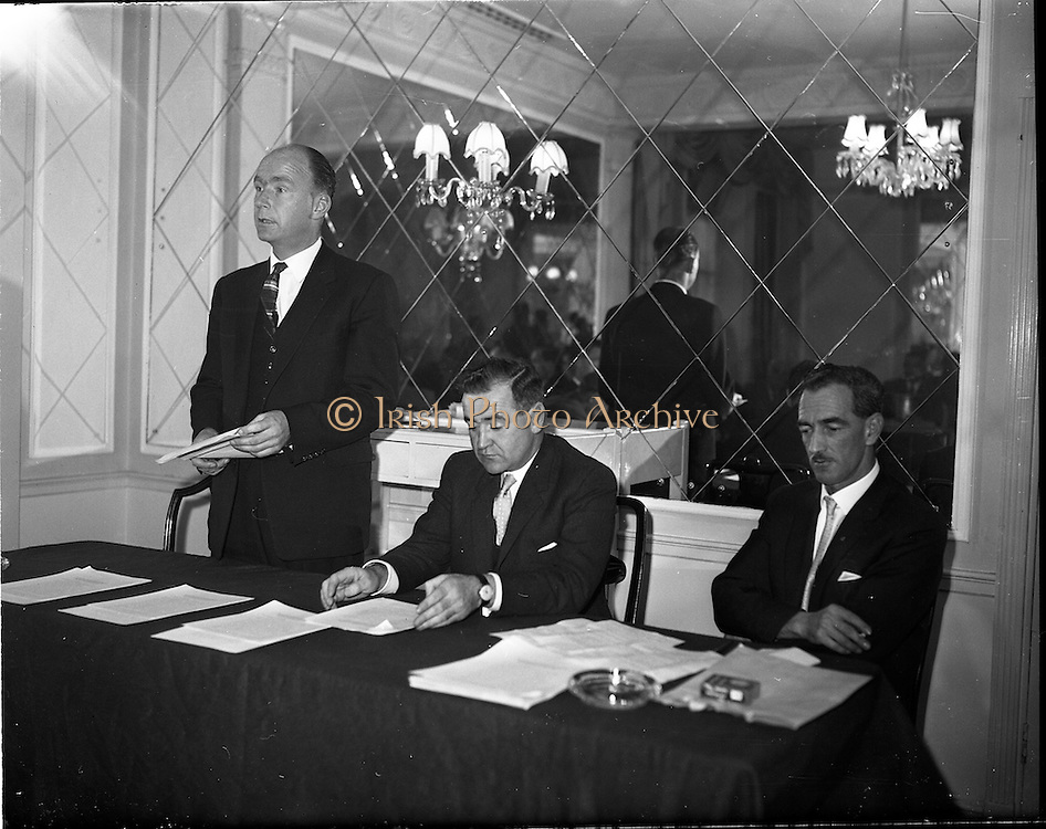 03/11/1961<br /> 11/03/1961<br /> 03 November 1961<br /> David Brown tractors Press Conference for presentation of prize in Tractor Maintenance competition at the Gresham Hotel, Dublin. Image shows Minister for Education Patrick Hillery speaking at the event.