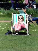 © Licensed to London News Pictures. 30/04/2012. London, UK . After a weekend of wet weather Londoner's enjoy some sunshine in St James Park this lunchtime 30 April 2012. Photo credit : Stephen Simpson/LNP