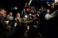 03 NOV 2005, BERLIN/GERMANY:<br /> Kurt Beck, SPD, Ministerpraesident Rheinland-Pfalz, im Gespraech mit Journalisten, vor Beginn der Sitzung des SPD Praesidiums, vor der Nominierung eines neuen SPD Praesidiums durch den SPD Parteivorstand, Willy-Brandt-Haus<br /> IMAGE: 20051102-01-020<br /> KEYWORDS: Journalist, Mikrofon, microphone, Kamera, Camera,