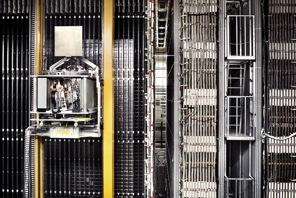 Rilevatore di neutrini Opera posto sotto il Gran Sasso LNGS<br /> <br /> Neutrino detector Opera in underground labs Gran Sasso LNGS