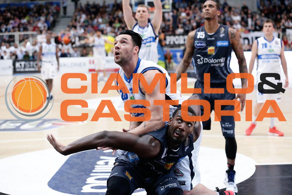 Dustin Hogue, Christian Burns<br /> Dolomiti Energia Aquila Basket Trento - Germani Basket Brescia Leonessa<br /> Lega Basket Serie A 2016/2017<br /> PalaTrento, 23/04/2017<br /> Foto Ciamillo-Castoria / M. Brondi