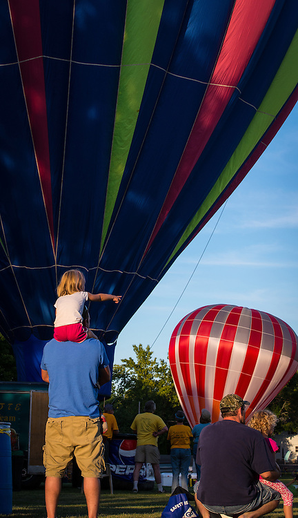Hot air balloons fly over Seymour, Wis. (Sam Lucero photo)