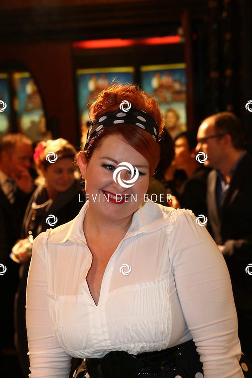AMSTERDAM - Eva van der Gught op de rode loper van de filmpremiere Dik Trom zondag in Amsterdam.  FOTO LEVIN DEN BOER - PERSFOTO.NU