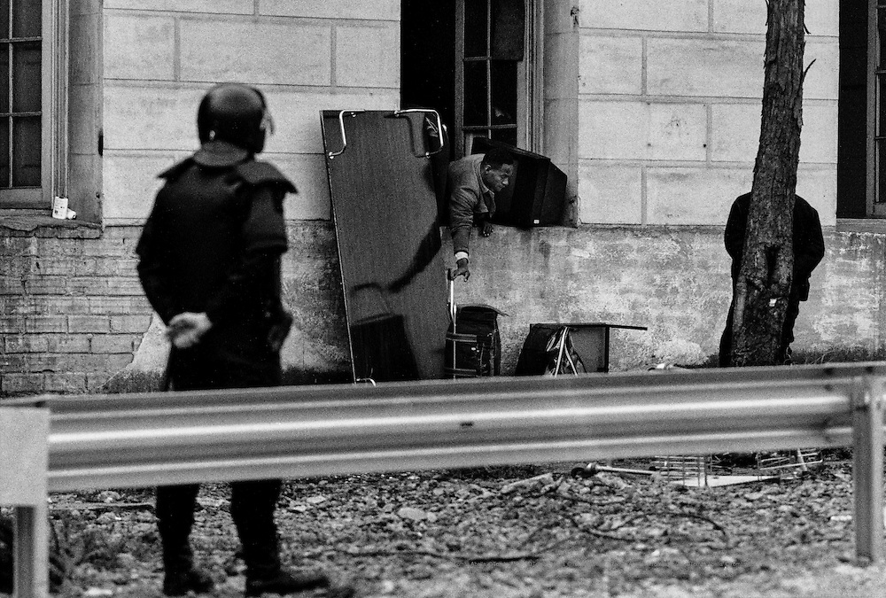 On February 9, 2004, more than one hundred anti-riot police proceeded to evacuate the site. In just a few hours, the mechanical arms of demolition machines knocked the buildings down.  Sant Andreu Barracks. Barcelona, Spain.