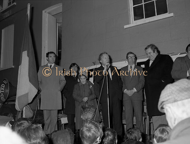 Image of Fianna Fáil leader Charles Haughey touring West Cork during his 1982 election campaign...04/02/1982.02/04/82.4th February 1982..Flagging it up:..Charles Haughey close to the national flag explains to his listeners what is on the Fianna Fáil menu...