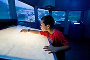 Museo del centro de visitantes en las Esclusas de Miraflores, punto de ingreso y salida de las embarcaciones en el lado del océano Pacifico del Canal de Panamá. Desde este Centro de Visitantes se puede observar como los barcos se elevan a 16 metros del nivel del mar, realizándolo en 2 procesos, que duran alrededor de 30 minutos..Foto: Ramon Lepage / Istmophoto.