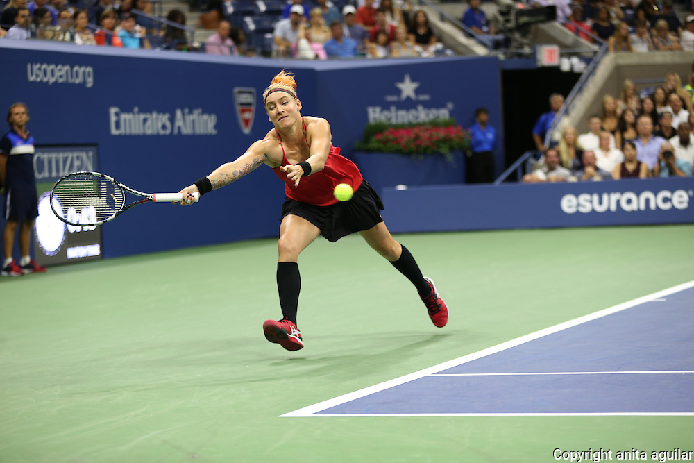 S. Williams d. B. Mattek-Sands 3-6, 7-5, 6-0