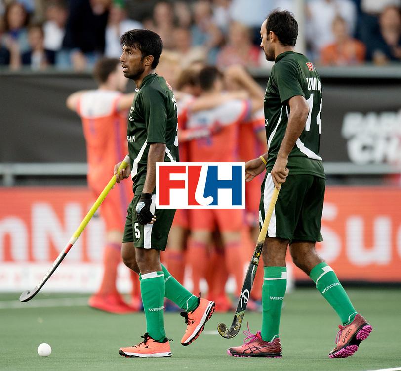 BREDA - Rabobank Hockey Champions Trophy<br /> The Netherlands - Pakistan<br /> Photo: ARSHAD Toseeq and Umar Bhutta.<br /> COPYRIGHT WORLDSPORTPICS FRANK UIJLENBROEK