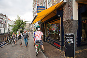In Utrecht verandert de stad weer langzaam in de gewone staat nadat de van Tour de France van start is gegaan.<br /> <br /> Slowly Utrecht changes to his normal state after the the Tour de France has started.