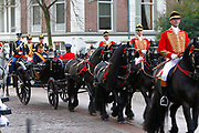 In Den Haag, op Plein 1813 vindt een vaandelgroet plaats van de Koninklijke Landmacht aan Koning Willem-Alexander. De vaandelgroet is tevens de aftrap van het 200-jarig jubileum van de Koninklijke Landmacht. <br /> <br /> In The Hague, on Plein 1813 a banner greeting takes place from the Royal Army of King Willem-Alexander. The standard greeting is also the kickoff of the 200th anniversary of the Royal Army.<br /> <br /> Op de foto / On the Photo: KAankomst Koning Willem-Alexander in de koets / Arrival Koning Willem-Alexander in the carriage