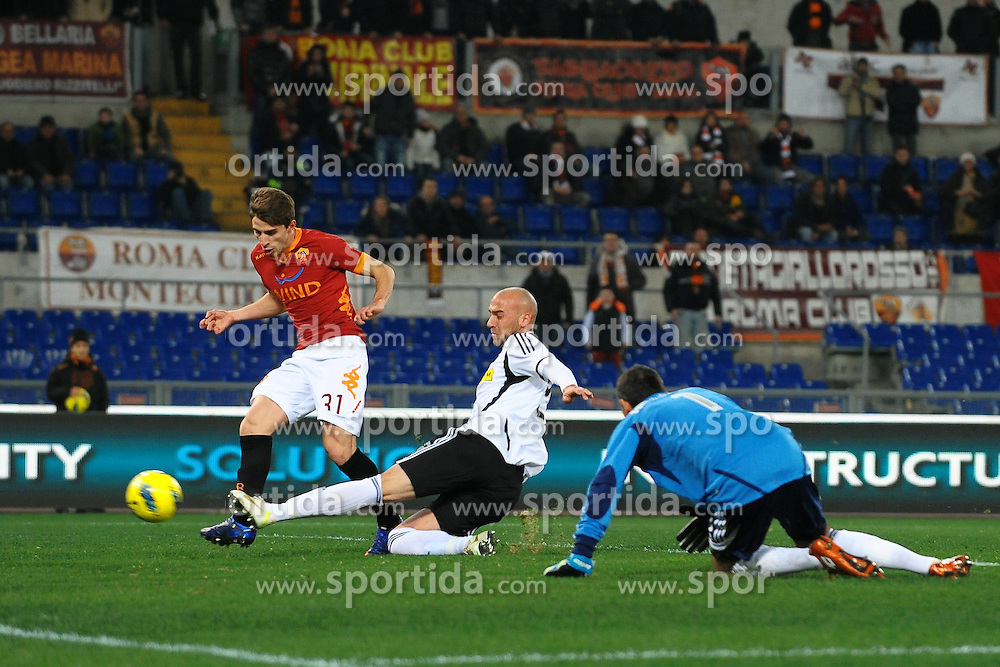 21.01.2012, Olympiastadion, Rom, ITA, Serie A, AS Rom vs Cesena, 19. Spieltag, im Bild Il gol di Fabio Borini Roma 3-0 // during the football match of Italian 'Serie A' league, 19th round, between AS Rom and Cesena at Olympic Stadium, Rome, Italy on 2012/01/21. EXPA Pictures © 2012, PhotoCredit: EXPA/ Insidefoto/ Andrea Staccioli..***** ATTENTION - for AUT, SLO, CRO, SRB, SUI and SWE only *****