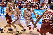 DESCRIZIONE : Supercoppa 2015 Semifinale Olimpia EA7 Emporio Armani Milano - Umana Reyer Venezia<br /> GIOCATORE : Krunoslav Simon<br /> CATEGORIA : Palleggio Penetrazione Blocco<br /> SQUADRA : Olimpia EA7 Emporio Armani Milano<br /> EVENTO : Supercoppa 2015<br /> GARA : Olimpia EA7 Emporio Armani Milano - Umana Reyer Venezia<br /> DATA : 26/09/2015<br /> SPORT : Pallacanestro <br /> AUTORE : Agenzia Ciamillo-Castoria/L.Canu