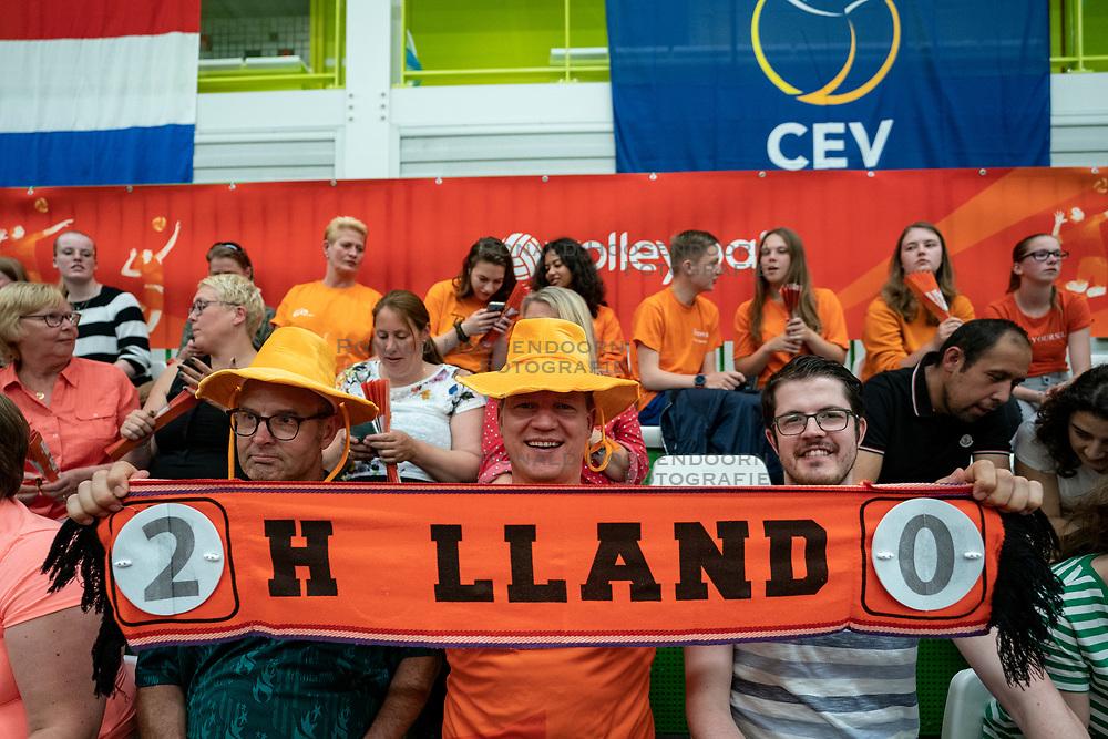09-06-2019 NED: Golden League Netherlands - Spain, Koog aan de Zaan<br /> Fourth match poule B - The Dutch beat Spain again in five sets in the European Golden League / Dutch Orange support