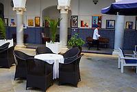Maroc, Tanger, Hotel El Minzah dans la ville nouvelle // Morocco, Tangier (Tanger), El Minzah hotel on the new city