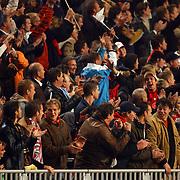 NLD/Amsterdam/20051018 - Champions League wedstrijd Ajax - FC Thun, blijdschap, juichen publiek, toeschouwers na doelpunt
