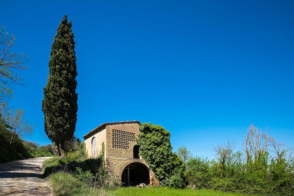 SAN GIMIGNANO, ITALY - CIRCA MAY 2015:  Abandoned house near San Gimignano in Tuscany