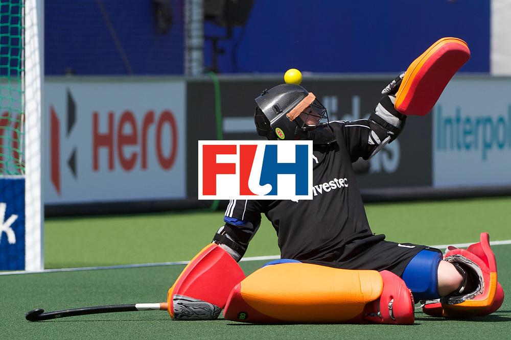 17 RSA vs ENG (4-1) : HINCH Maddie (GK)