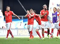 FUSSBALL WM 2014  VORRUNDE    Gruppe D     Schweiz - Ecuador                      15.06.2014 Haris Seferovic, Xherdan Shaqiri und Valon Behrami (v.l., alle Schweiz) freuen sich nach dem Abpfiff