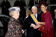 Koningin Beatrix heeft afscheid genomen van Herman Tjeenk Willink als vice-president van de Raad van State.<br /> <br /> Queen Beatrix has said goodbye to Herman Tjeenk Willink as vice-president of the Council of State.<br /> <br /> Op de foto / On the Photo: Koningin Beatrix , prinses Maxima en Herman Tjeenk Willink