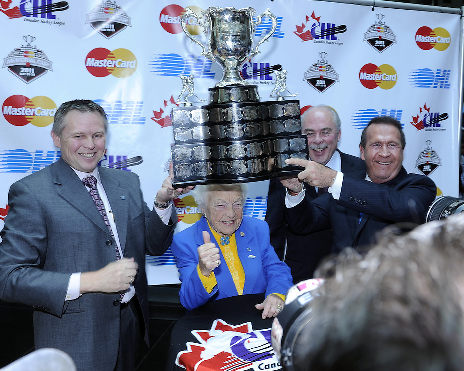 (From left) Duncan Stauth of the Mississauga St. Michael's Majors, Mississauga Mayor Hazel McCallion, CHL President David Branch and OHL Counsel Gordon Kirke, Chair of the Memorial Cup Site Selection Committee. The Canadian Hockey League announced on Monday that the Mississauga St. Michael's Majors will host the 2011 MasterCard Memorial Cup next May. Photo by Aaron Bell/OHL Images