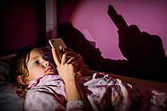 kinderen en mobieltje