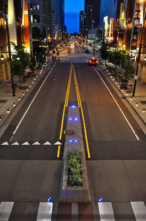 This picture shows a nightlife shot of Denver Colorado on Glenarm Place.<br />