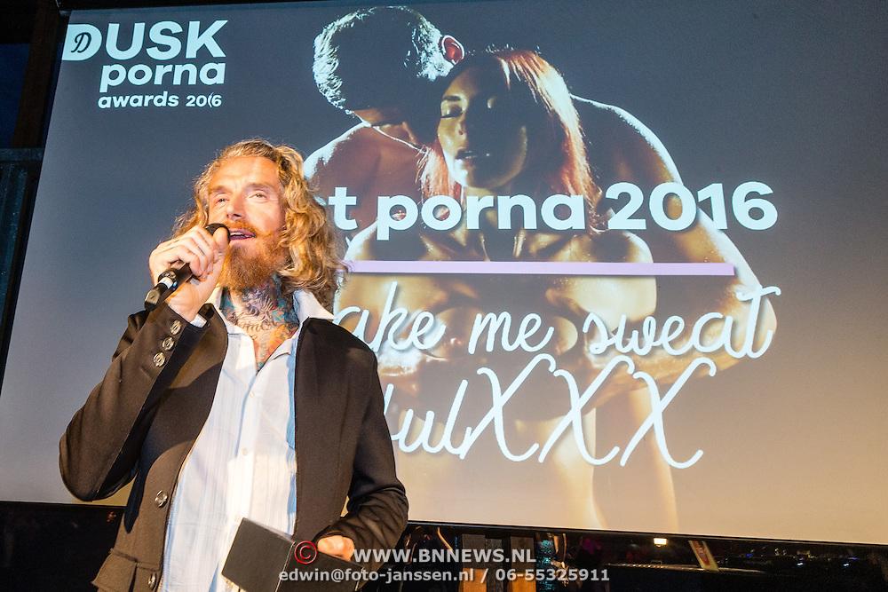 NLD/Amsterdam/20160601 - Uitreiking Porna Awards 2016, winnar en regisseur Best Sex movie