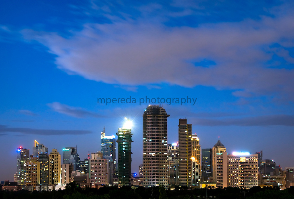MANILA (Philippines). 2009. Makati´s skyline at dusk. Makati is the bussines centre of Manila and its towers are the center of the country's largest corporations and most of the major hotels.