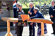 Pieter van Vollenhoven opent het WOII en Vliegeniersmuseum in Fort Vuren. Het museum vormt samen met een herinneringsroute een eerbetoon aan de bemanning van zes geallieerde vliegtuigen die tijdens de Tweede Wereldoorlog zijn neergestort op grondgebied van de huidige gemeente Lingewaal. <br /> <br /> Pieter van Vollenhoven opens the WWII and Aviation Museum in Fort Vuren. The museum, together with a memorial route, is a tribute to the crew of six allied aircraft crashed during the Second World War on the territory of the current Lingewaal municipality.<br /> <br /> Op de foto / On the Photo:  onthullen plaquette door Professor mr. Pieter van Vollenhoven samen met Mara Barrett de zus van omgekomen Nieuw-Zeelandse piloot (Jack Lunn) en <br /> Doreen Scarff de vrouw van Britse piloot (Basil Scarff) <br /> <br /> Reveal plaque by Professor Pieter van Vollenhoven together with Mara Barrett, the sister of the killed New Zealand pilot (Jack Lunn) and<br /> Doreen Scarff the British pilot's wife (Basil Scarff)