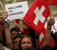 Schweizer Fans mit Transparent Welcome to Paradise . © Valeriano Di Domenico/EQ Images