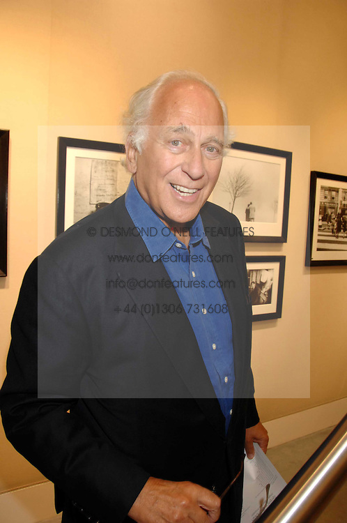 SIR EVELYN DE ROTHSCHILD at  a Private view of 'Terence Donovan: Image Maker And Innovator' at the Chris Beetles Gallery, 8 & 10 Ryder Street, London SW1 on 17th September 2007.<br /><br />NON EXCLUSIVE - WORLD RIGHTS
