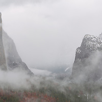 Foggy Tunnel View, Yosemite Valley. Yosemite National Park, CA