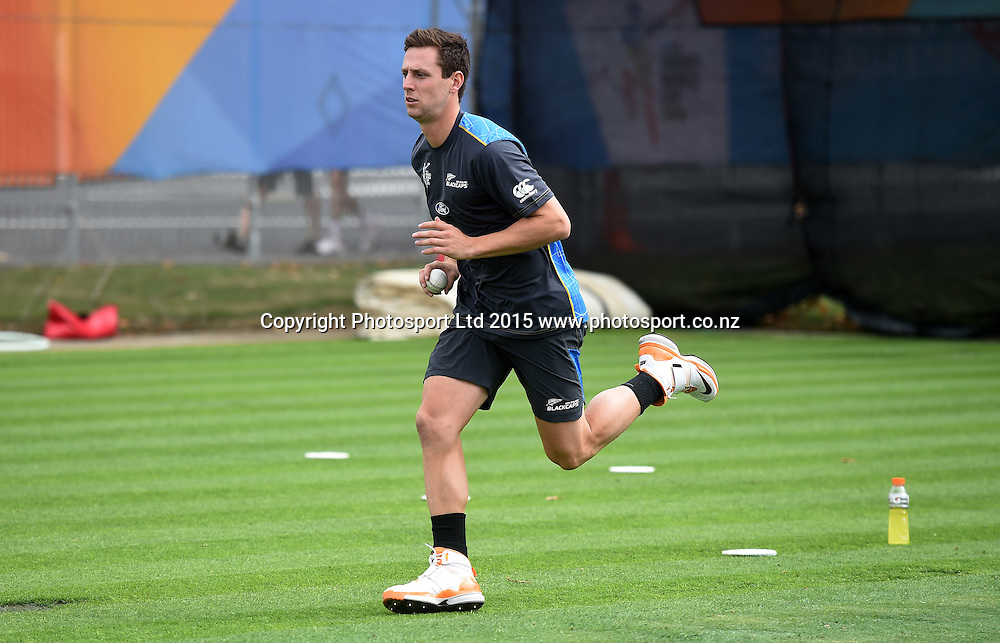 New Zealand bowler Matt Henry during training at Eden Park in Auckland ahead of the semi final Cricket World Cup match against South Africa tomorrow. Monday 23 March 2015. Copyright photo: Andrew Cornaga / www.photosport.co.nz