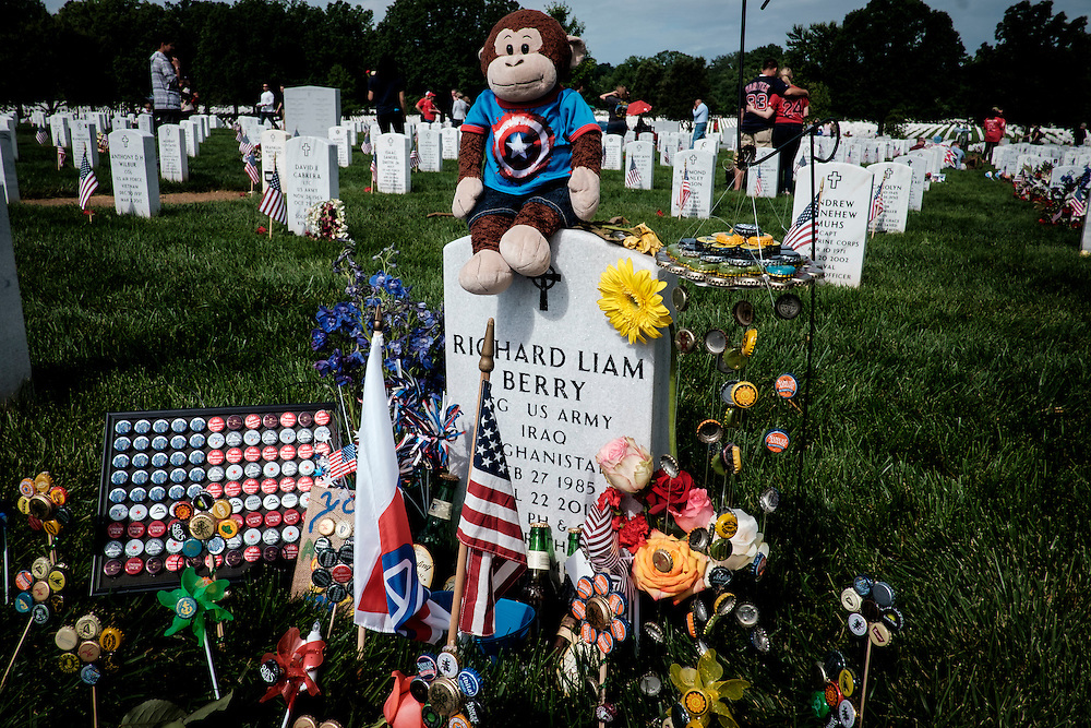 Gravsites are decorated by family and friends of the fallen on Memorial Day in Section 60 at Arlington National Cemetery in Arlington, Virginia, USA, on 30 May 2016.