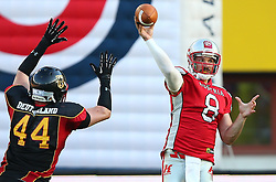 07.06.2014, Ernst Happel Stadion, Wien, AUT, American Football Europameisterschaft 2014, Finale, Oesterreich (AUT) vs Deutschland (GER), im Bild Thomas Rauch, (Team Germany, DL, #44) und Christoph Gross, (Team Austria, QB, #8) // during the American Football European Championship 2014 final game between Austria and Denmark at the Ernst Happel Stadion, Vienna, Austria on 2014/06/07. EXPA Pictures © 2014, PhotoCredit: EXPA/ Thomas Haumer