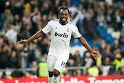 Essien celebrates his own goal against Zaragoza (3-0)