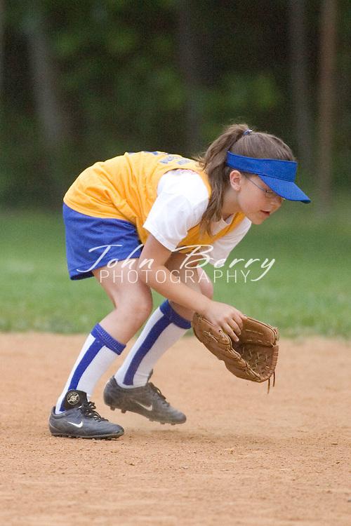 Softball .10-U Game Action .May 19, 2006