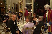 Crillon Haute Couture Ball. Crillon Hotel, Paris. 2 December 2000. © Copyright Photograph by Dafydd Jones 66 Stockwell Park Rd. London SW9 0DA Tel 020 7733 0108 www.dafjones.com
