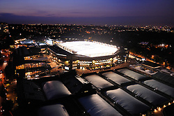 LONDON, ENGLAND - Monday, June 29, 2009: The new centre court roof lights up the night sky as Andy Murray (GBR) takes on Stanislas Wawrinka (SUI) during day seven of the Wimbledon Lawn Tennis Championships at the All England Lawn Tennis and Croquet Club. (Pic by Pool/AELTC/Propaganda)