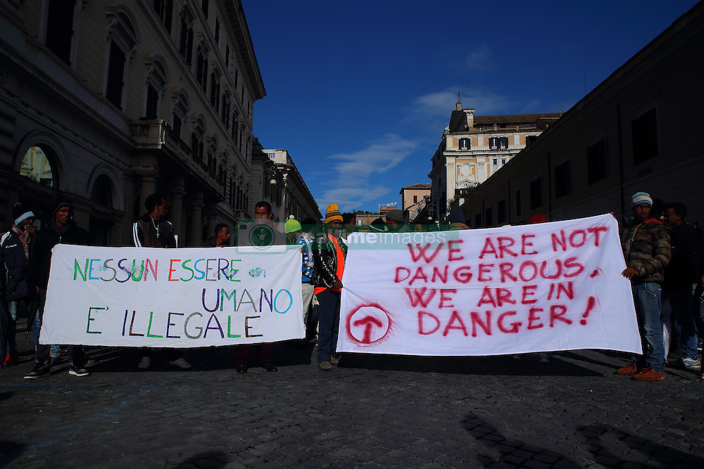 November 12, 2016 - Rome, Italy - Presidium organized by Baobab Experience near the prefecture of Rome for the rights of migrants. (Credit Image: © Matteo Nardone/Pacific Press via ZUMA Wire)