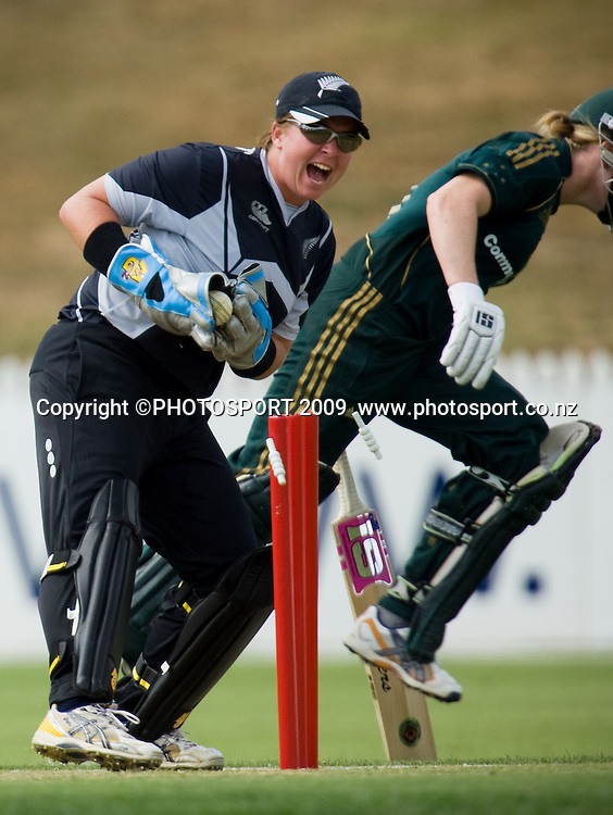 Alex Blackwell for Australia gets safely back into crease despite the efforts of Rachel Priest during the 3rd ODI Rose Bowl Series cricket match between New Zealand White Ferns and Australia at Seddon Park, Hamilton, New Zealand, Friday 06 February 2009.  Photo: Stephen Barker/PHOTOSPORT