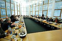 10 NOV 2005, BERLIN/GERMANY:<br /> Uebersicht des sitzungssaales, kurz vor Beginn der Koalitionsverhandlungen zwischen CDU/CSU und SPD zur Bildung einer Grossen Koalition, CDU Bundesgeschaeftsstelle, Konrad-Adenauer-Haus<br /> IMAGE: 20051110-01-050<br /> KEYWORDS: Übersicht, Saal