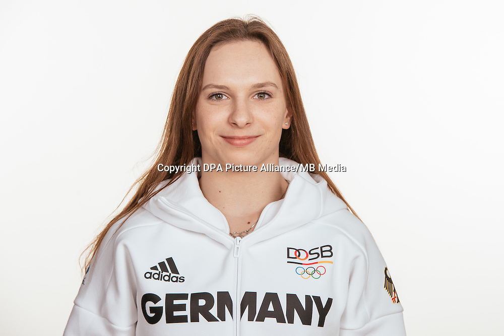 Sophie Scheder  poses at a photocall during the preparations for the Olympic Games in Rio at the Emmich Cambrai Barracks in Hanover, Germany, taken on 12/07/16 | usage worldwide